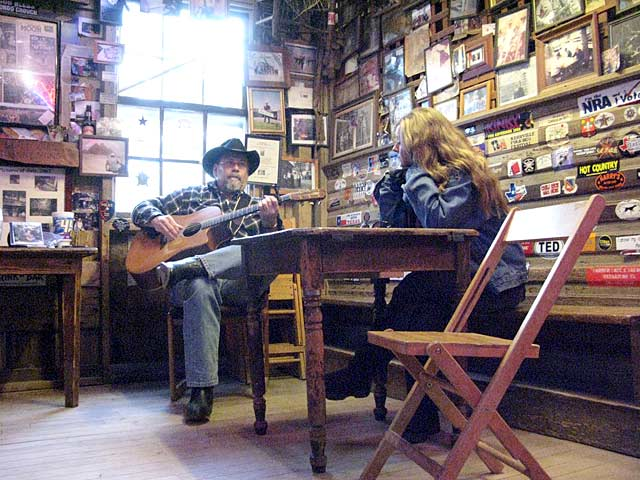 Dale Pickin at Luckenbach