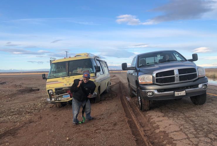 Dodge pulls GMC Motorhome