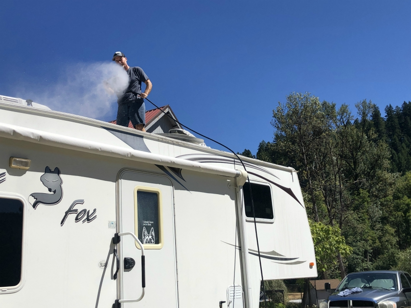 RV rubber roof cleaning