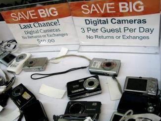 Cheap Cameras at Unclaimed Baggage Center Scottsboro, AL