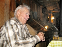 Perk Vickers tells tales at Friday Ranch Burger Cookout