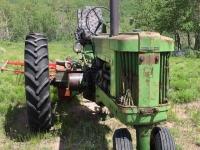 Vickers Old John Deere 50 Tractor