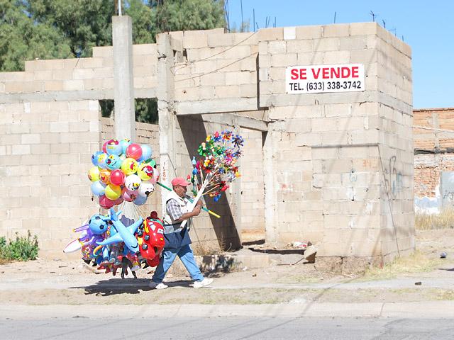 Agua Prieta Mexico Balloon Man
