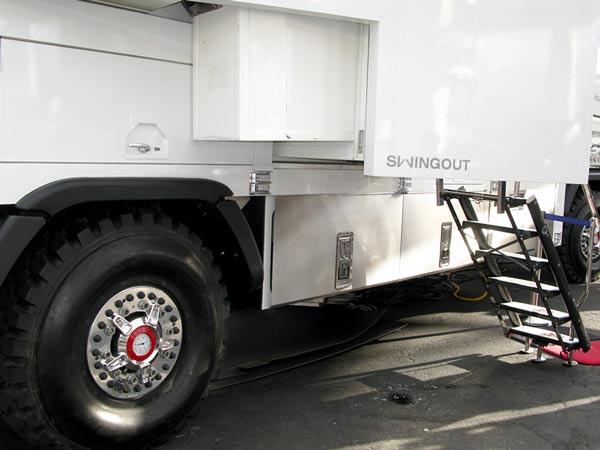 KiraVan Expedition Vehicle System at SEMA Show 2015