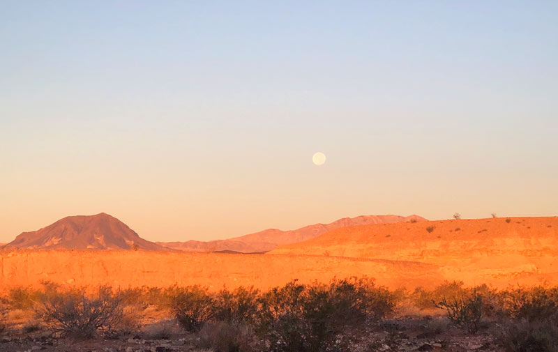 Lake Mead Moonset