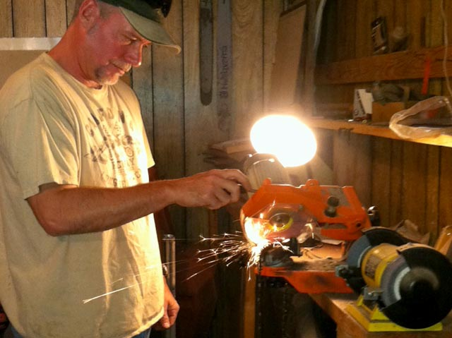 workamping sharpening chain saw chains