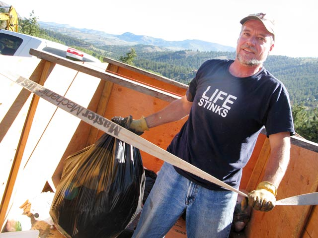 Workamper Jim Hauls Trash to Lake City Dump
