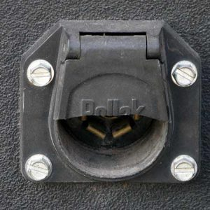7-pin trailer cord socket